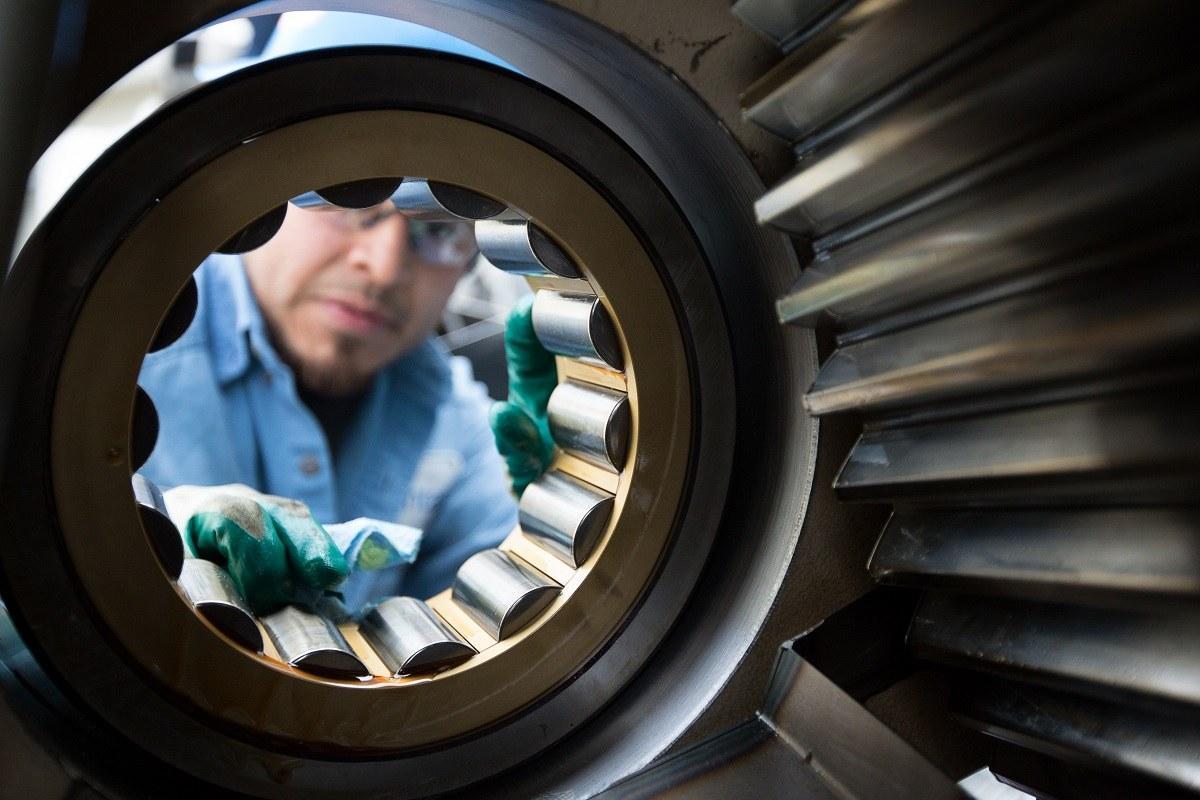 wind turbine gearbox service